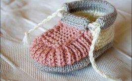 como hacer zapatitos de bebe con dos agujas facil y rapido