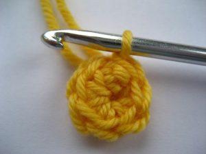 como hacer flores a crochet faciles-21