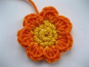 como hacer flores a crochet faciles-25
