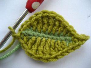 como hacer flores a crochet faciles-40