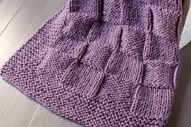 como hacer una manta con dos agujas-7